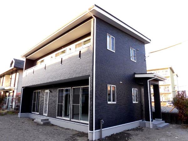 これから家を建てる計画を持っている方は、まずトップホームズまで足を運んでみて下さい。期待以上な心地になると思います!! トップホームズで家づくりをしたお客様の喜びの声